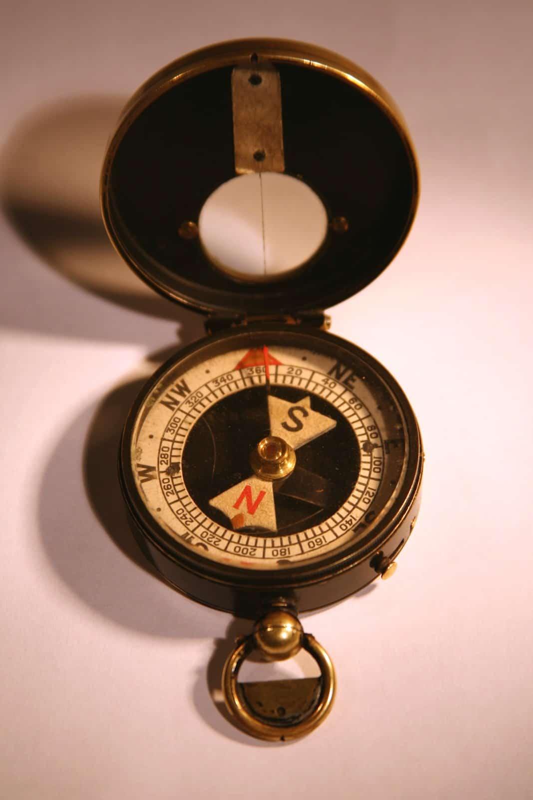 military_compass_of_j-_lindsay_brough